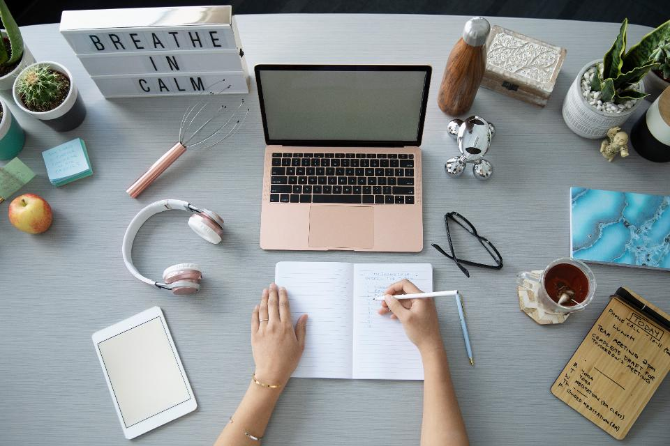 22 Top Websites To Get Writing Gigs In 2019