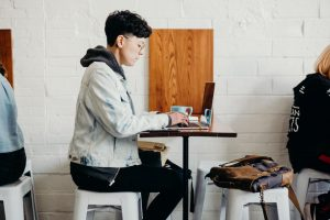 What Six-Figure Earning Freelancers Do Differently Than Everybody Else